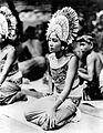 COLLECTIE TROPENMUSEUM Balinese danseres met een gouden kroon TMnr 10004733.jpg