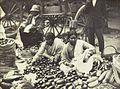COLLECTIE TROPENMUSEUM Groentekwekers van Brits-Indische afkomst op de markt in Durban TMnr 10004268.jpg