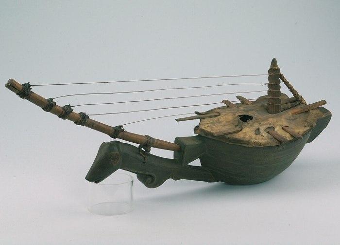 COLLECTIE TROPENMUSEUM Harp-luit TMnr A-11006