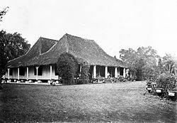 COLLECTIE TROPENMUSEUM Logement in Tjiandjoen in Preanger TMnr 60022042.jpg