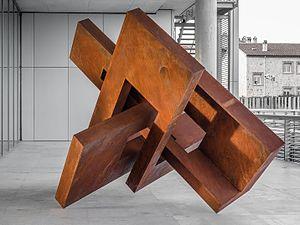 Arturo Berned - 144 Cabeza IX (Head IX) (2011), Arturo Berned, sculpture using oxidized corten steel plate.