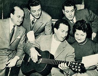 Carlo Savina - Carlo Savina playing guitar (1954)