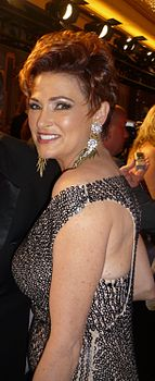 Carolyn Hennesy 2010 Daytime Emmy Awards 2.jpg