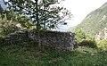 Castelmur Mauerrest westlich Turm.jpg
