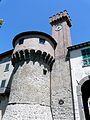 Castiglione di Garfagnana-mura e torri4.jpg