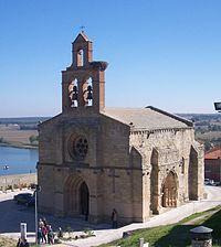 Castronuño Iglesia.jpg