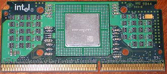 Slot 1 - Celeron in SEPP: CPU at center (under heat spreader), surrounding chips are resistors