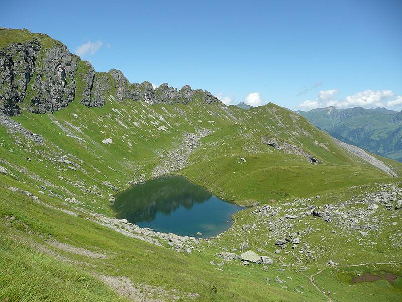 File:Chüebodensee.JPG