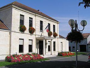 Châteaubernard - Town hall