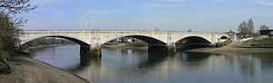 Chiswick Bridge - Image: Chiswick Bridge 15 540 3