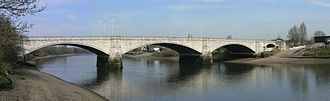 Chiswick Bridge - Image: Chiswick Bridge 15 540 3