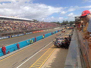 Adelaide 500 - Pit straight during qualifying on Friday 2008.