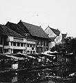 Collectie NMvWereldculturen, TM-20000886, Negatief, 'Bebouwing aan de Kali Besar in het oude stadsdeel', fotograaf Boy Lawson, 1971.jpg