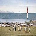 Collectie NMvWereldculturen, TM-20025985, Dia- Het hijsen van de Indonesische vlag tijdens de viering van Onafhankelijkheidsdag, Boy Lawson, 17-08-1971.jpg