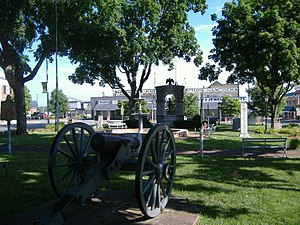 Confederate Monument in Russellville - Image: Confed Monument Russellville far