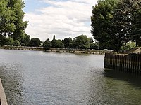 Confluence of Rivers Thames and Brent at Brentford - geograph.org.uk - 1444076