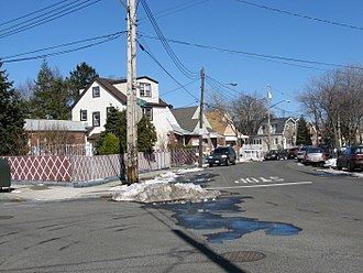 Pelham Bay (neighborhood), Bronx - Griswold and Research Avenues in Country Club