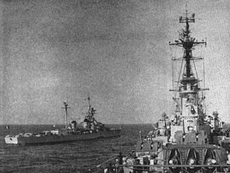 French cruiser Montcalm - Image: Cruisers Montcalm and USS Des Moines (CA 134) during Operation Longstep in 1952