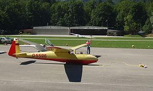 Schleicher Ka 2 Rhönschwalbe - Ka 2b (D-5596) waiting for a winch launch