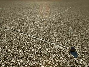 Sailing stones - Tracks are sometimes not linear.