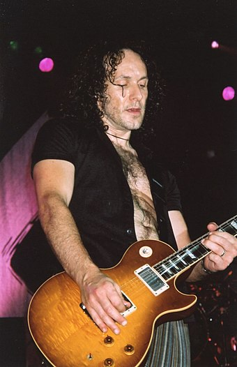 Guitarist Vivian Campbell in 2003. He joined Def Leppard in 1992.