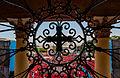 Detalle de Ventana en la Basílica de nuestra señora de la Chiquinquira.jpg