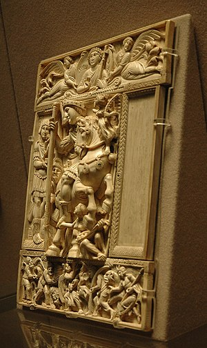Barberini ivory - 3/4 view, underlining the different depths of relief on the Barberini ivory.