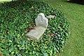 Dog tomb @ Jardin de l'Hôtel Matignon @ Paris (35032887156).jpg