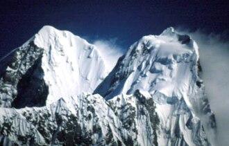 Dorje Lhakpa - Mounting clouds on Dorje Lhakpa