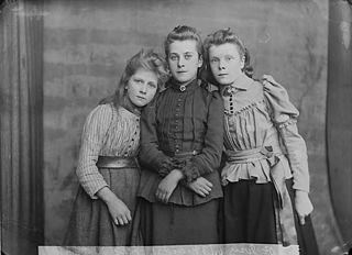 Dr Jones' three maids, Llanboidy