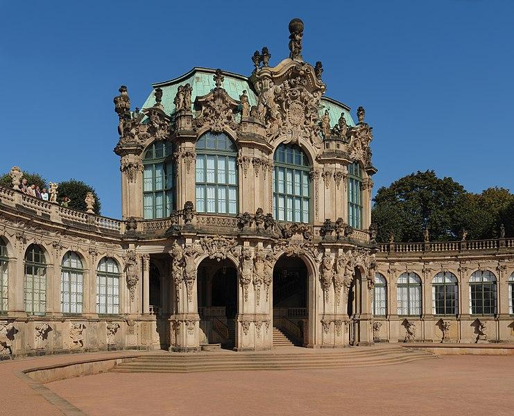 File:Dresden-Zwinger-Wallpavillion-gp.jpg