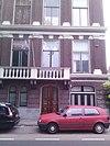 Dubbel herenhuis, verbouwd tot appartementencomplex, gebouwd in neo-renaissancestijl en gelegen aan de singel langs de stadsbuitengracht