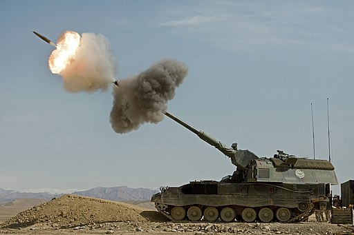 Dutch Panzerhaubitz fires in Afghanistan