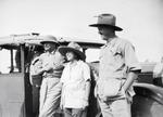 ETH-BIB-Baron Rothschild mit Mr. and Mrs. Martin Johnson-Kilimanjaroflug 1929-30-LBS MH02-07-0309.tif