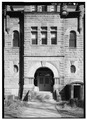 EXTERIOR, DETAIL OF SOUTH FRONT ENTRANCE - Union County Courthouse, Courthouse Square, Elk Point, Union County, SD HABS SD,64-ELPO,1-6.tif