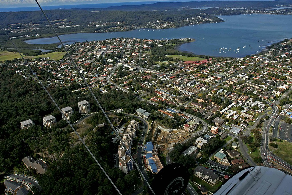 East Gosford from the air - panoramio - Ray Hayward