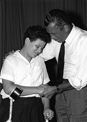 Ed Sullivan - Ed Sullivan congratulates 13-year-old Itzhak Perlman after a concert in Tel Aviv, in 1958