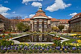 Edificio principal, Jardín Botánico, Múnich, Alemania 2012-04-21, DD 04.JPG