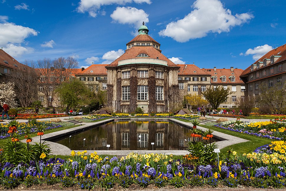 Edificio principal, Jard%C3%ADn Bot%C3%A1nico, M%C3%BAnich, Alemania 2012-04-21, DD 04