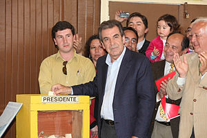 Chilean presidential election, 2009–10 - Candidate Eduardo Frei casting his ballot in La Unión on December 13, 2009.