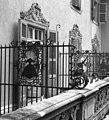 Eger 1951, Korona szálló (ma Park Hotel), nő a teraszon. - Fortepan 29308.jpg