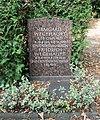 Ehrengrab Eisackstr 40a (Schön) Friedrich Wegehaupt.jpg