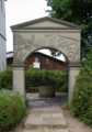 Eichenzell Loeschenrod Arch gate Water Well f.png