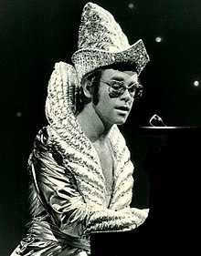 Elton John Was The Artist With Second Longest Most Cumulative Number One Hits On Hot 100 Chart During 1970s 6 Songs