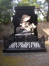 Emil Skoda grave Plzen.JPG