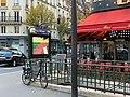 Entrée Station Métro Guy Môquet Paris 2.jpg