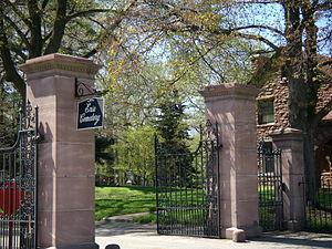Erie Cemetery - Erie Cemetery's gate