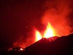 Eruption2010eyja.jpg
