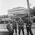 Escadrons tanks vertrekken van station Amersfoort voor grote oefening Big Ferro , Bestanddeelnr 926-6717.jpg