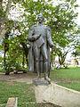 Estatua de Francisco de Paula Santander en Leticia.JPG
